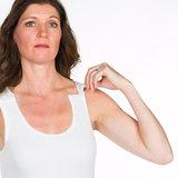 Dames hemdje met drukkers op schouders kleur 100 wit detail schouder
