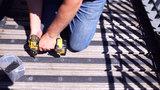 montage antislip vlonderplank strips stroken