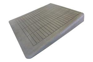 Rubberen drempelhulp 130mm x 980mm x 880mm met schuine zijvlakken (13 cm)