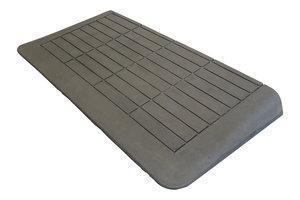 Rubberen drempelhulp 65mm x 450mm x 880mm met schuine zijvlakken (6,5 cm)