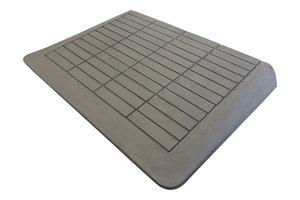 Rubberen drempelhulp 75mm x 480mm x 880mm met schuine zijvlakken (7,5 cm)