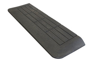 Rubberen drempelhulp 40mm x 275mm x 880mm met schuine zijvlakken (4 cm)