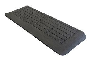 Rubberen drempelhulp 50mm x 350mm x 880mm met schuine zijvlakken (5 cm)