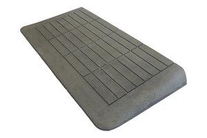 Rubberen drempelhulp 60mm x 420mm x 880mm met schuine zijvlakken (6 cm)