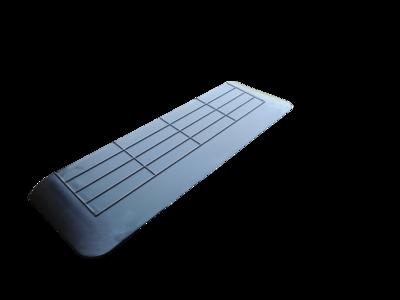 Rubberen drempelhulp 35mm x 280mm x 900mm met schuine zijvlakken (3,5 cm)