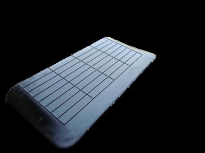 Rubberen drempelhulp 50mm x 400mm x 900mm met schuine zijvlakken (5 cm)